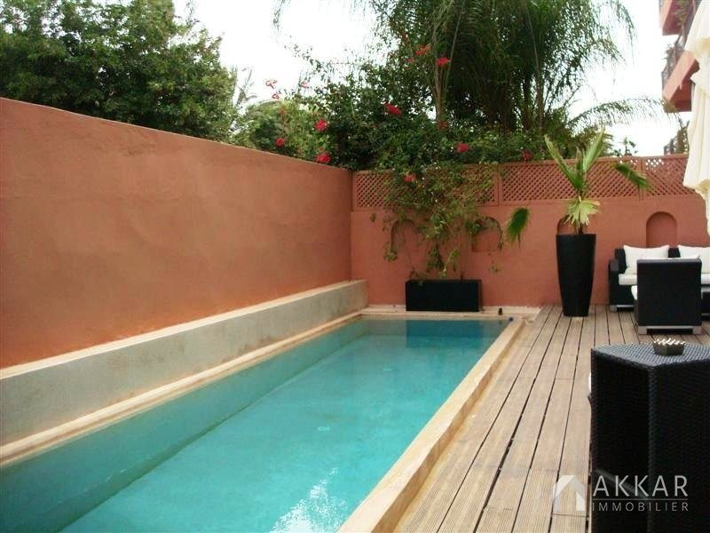 vente appartement marrakech appartement avec piscine priv e vendre dans l 39 hivernage. Black Bedroom Furniture Sets. Home Design Ideas