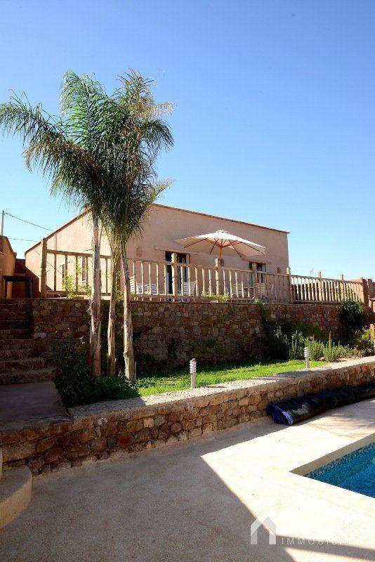 Vente villa marrakech villa avec piscine vendre route for Villa marrakech piscine