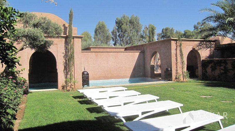 Vente villa marrakech villa avec piscine chauff e for Prix piscine chauffee