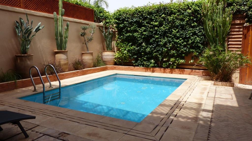 Vente de villa avec piscine sur la route de casablanca for Villa a marrakech avec piscine