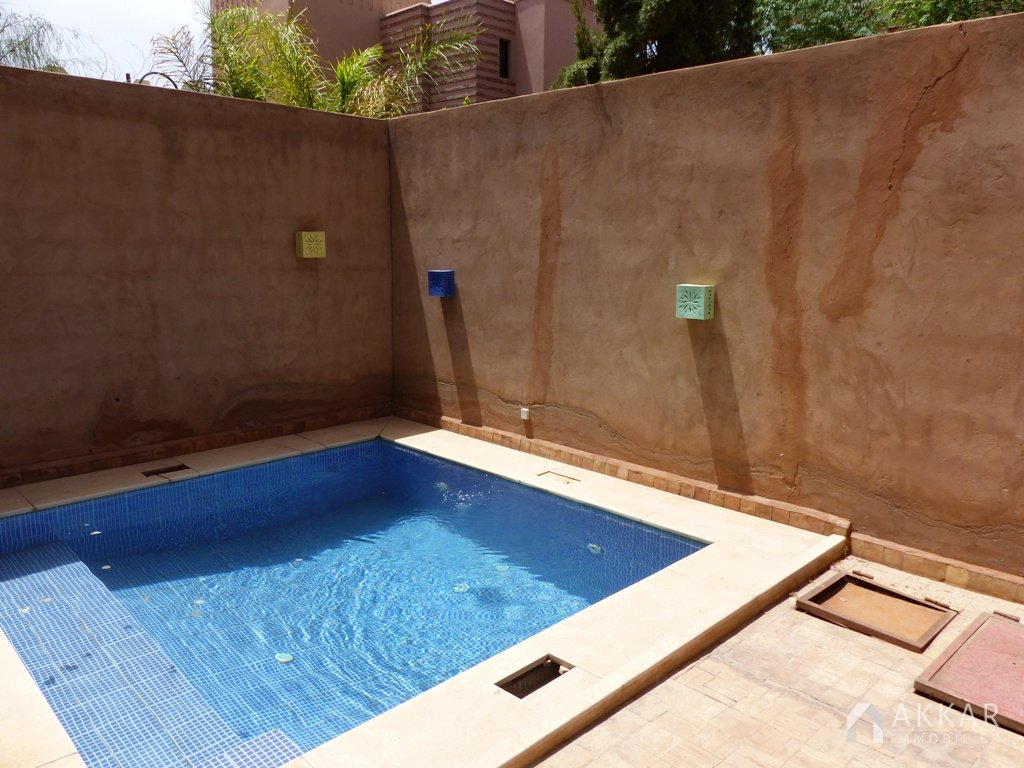 Location villa marrakech villa avec piscine pas ch re for Villa a marrakech avec piscine