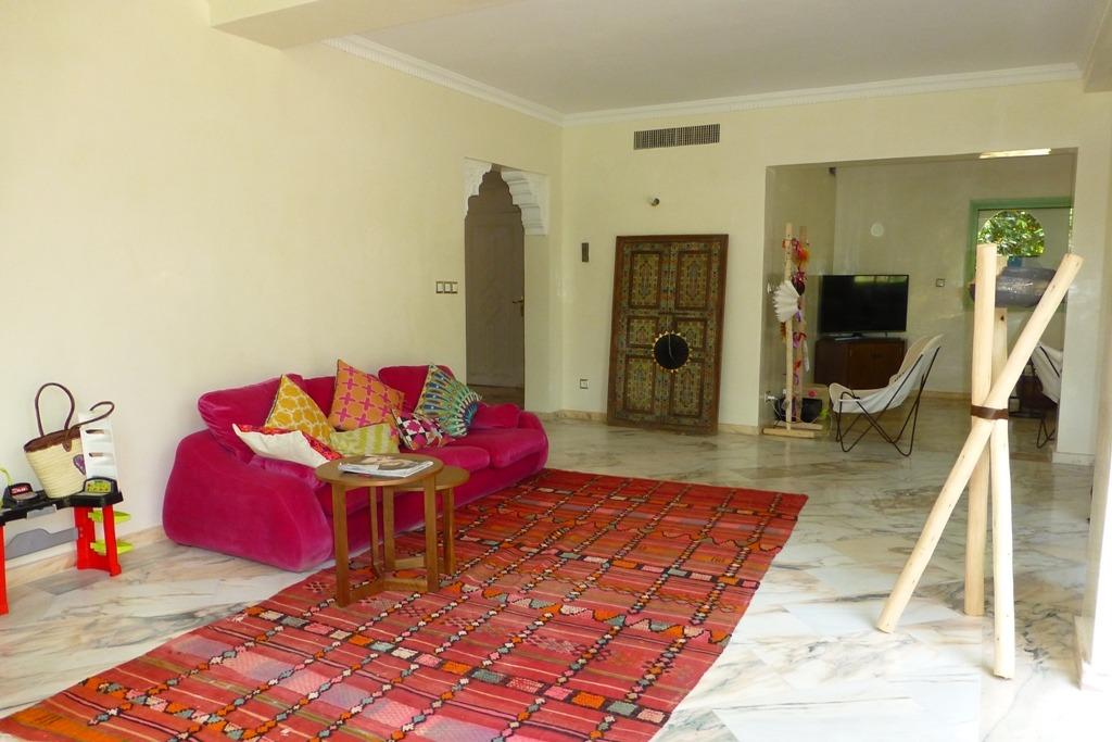 Location appartement marrakech magnifique duplex avec for Location appartement marrakech gueliz avec piscine