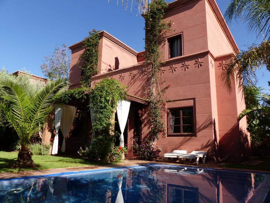 Location villa marrakech villa avec piscine louer for Appartement a louer a marrakech avec piscine