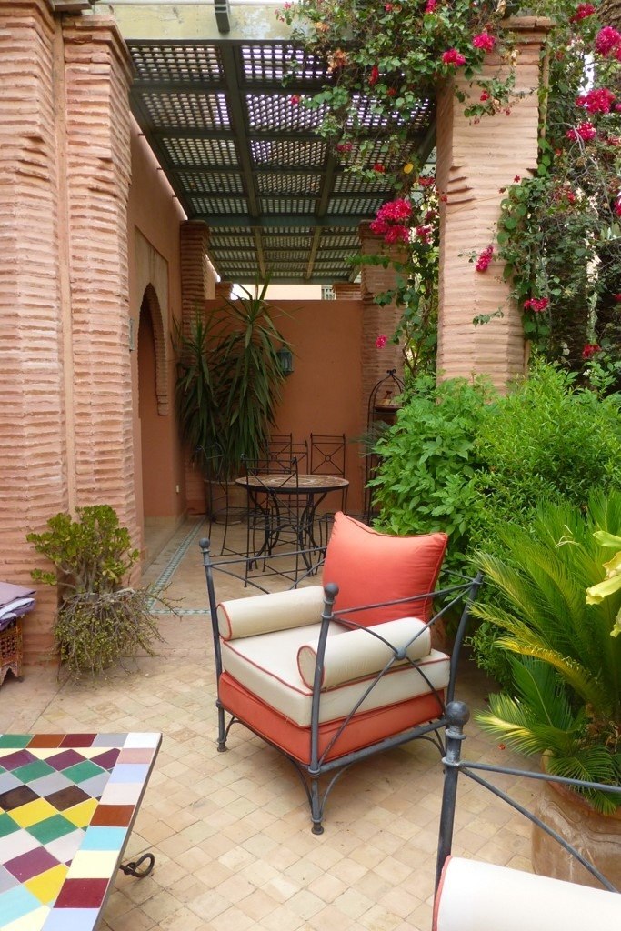 vente appartement marrakech appartement avec jardin vendre dans la palmeraie de marrakech. Black Bedroom Furniture Sets. Home Design Ideas