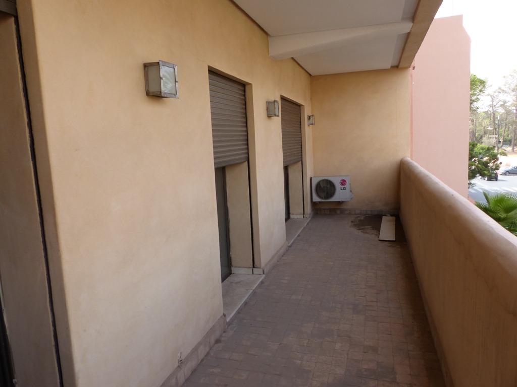 vente appartement marrakech appartement moderne pas cher vendre dans l 39 hivernage marrakech. Black Bedroom Furniture Sets. Home Design Ideas