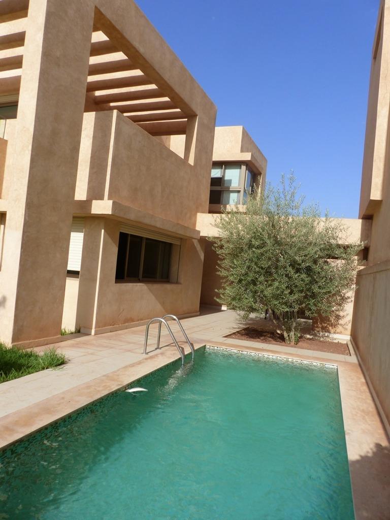 location villa marrakech villa avec piscine et jardin
