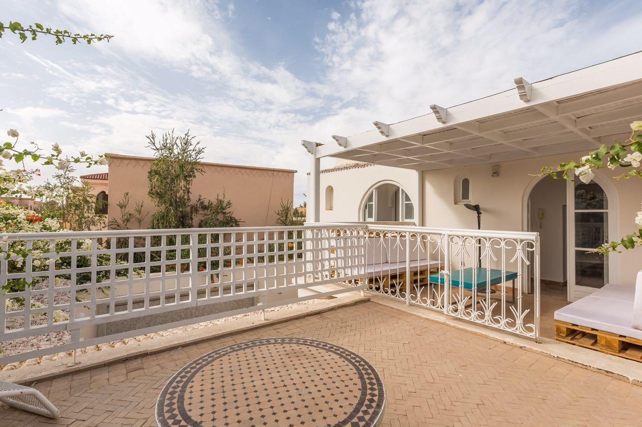 Location villa marrakech tr s belle maison art deco avec for Appartement a louer a marrakech avec piscine