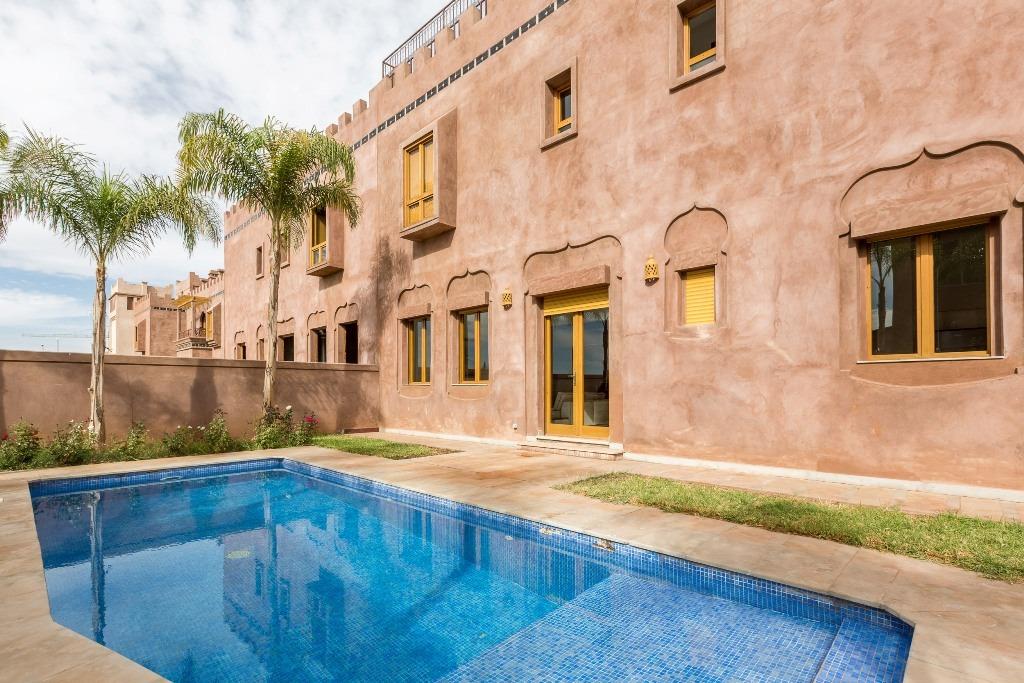 Vente villa marrakech belle villa avec piscine vendre for Villa a marrakech avec piscine