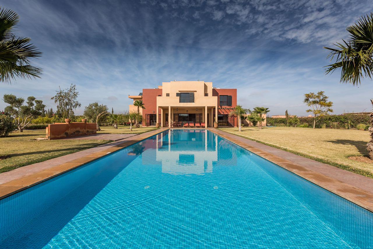 Location villa marrakech agreable villa avec piscine a for Villa avec piscine a louer a marrakech